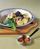 Bällchen aus Dubu (koreanischer Tofu)