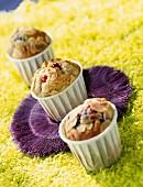 Waldfrüchte-Muffins mit Mandelblättchen