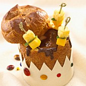 A brioche surprise filled with chocolate and mangoes