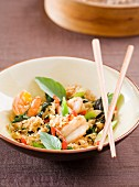 Gebratener Reis mit Kaisergranat und Basilikum