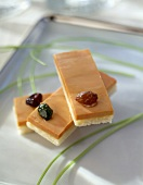 Foie gras and raisin toasts