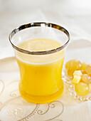 Ananas-weiße-Trauben-Saft