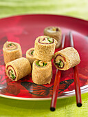 Raw Vegetable Makis with Wholemeal Bread