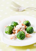 Spinach balls with shrimps