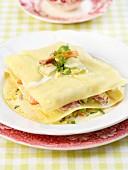 Lasagne-Schichtküchlein mit jungem Gemüse und Zitronensauce