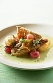 Roast guinea-fowl with radishes