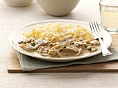 Veal with onion and cream sauce,tagliatelles
