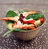 Spinach and prawn salad with sesame seeds