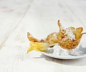 Zucchini-Beignets mit Orangenblüten