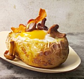 Baked potato with egg