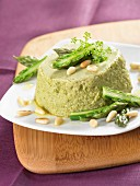 Green asparagus mousse with pine nuts