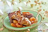 Sauteed goose with ginger and dried fruit