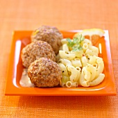 Veal meatballs with shell pasta