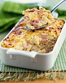 Macaronis and ham cheese-topped dish