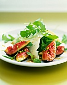 Rocket, fig and ewe's cheese salad