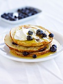 Scotch pancakes with bilberries