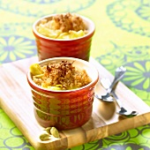 Pineapple,cardamom and ginger crumble