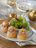 Foie gras cream puffs