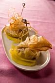 Aumônière with mango and crunchy toffee