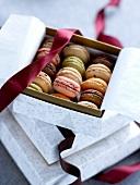 Box mit Macarons von der Konditorei Dalloyau