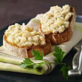 White beans on toast
