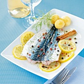 Mackerel marinated with lemon and spices