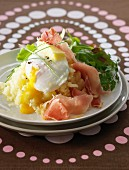 Mashed potatoes,soft-boiled egg and raw ham