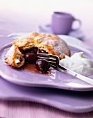 Individual griotte cherry pie