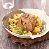 Poitou-Charentes lamb roast with artichoke hearts and pine nuts