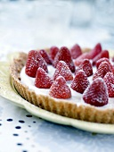 Strawberry tart without cooking