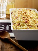 Shell pasta and ham gratin