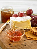 Apple and grape jelly with herbs