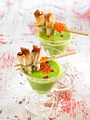 Cream of peas with razor clams and salmon roe