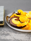 Geeiste Bûche (Baumstammkuchen, Frankreich) mit Schokolade und Orange
