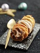 Macaroon and Carambar cream small log