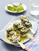 Curry-flavored sardine fillet brochettes