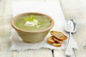 Broccoli soup with goat's cheese and Sucrine