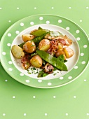 Pan-fried potatoes,sugar peas and bacon