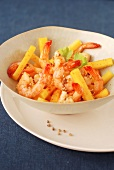 Shrimp and pepper salad with coriander seeds