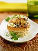 Button mushroom and roquefort tarlet