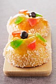 Royaumes,Epiphany brioches with candied fruit and sugar