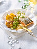 Thick piece of salmon with old-fashioned vegetables