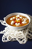 Sweet corn and pepper soup with pop corn