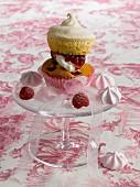 Vacherin-style raspberry cupcake
