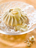 Almond meringue