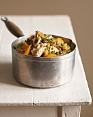 Chicken with pistachios and peaches