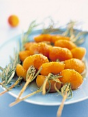 Apricot and rosemary brochettes