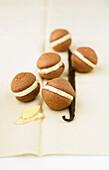 Chocolate-vanilla-ginger Whoopies