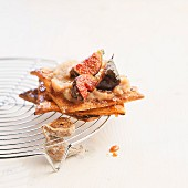 Flaky pastry with figs and chestnut cream