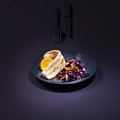 Seezungenfilet mit violettem Kohlrabi